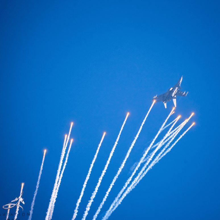 Sukhoi 30 MKI flares