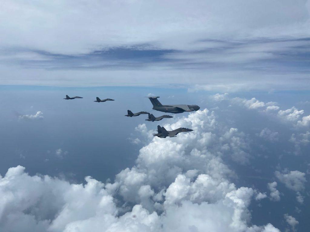 Formation flying iaf